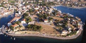 İzmir'in Tatlı Küçük İlçesi Foça