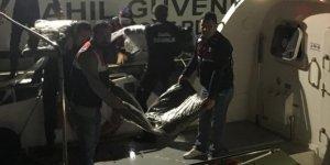 1,1 ton uyuşturucuyu taşıyamayan tekne battı