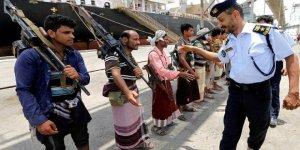 Husiler, Hudeyde Limanı'ndan çekilmeye başladı
