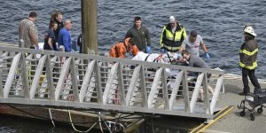 Kruvaziyer yolcusu taşıyan iki uçak çarpıştı