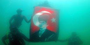 Erümen'den 19 Mayıs'a özel saygı dalışı
