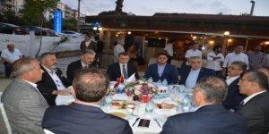 İzmir ve Aliağa protokolünü buluşturan iftar