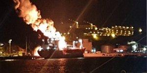 Petkim Limanı'nda patlama ve yangın