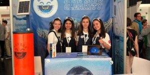 """Liseli 6 kız öğrenci """"Yılın Şirketi"""" ödülünü aldı"""