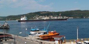 Dev tanker Çanakale Boğazı'nı kapattı