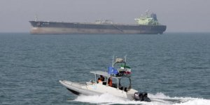 İran Körfez'deki tüm ABD gemilerini izliyor