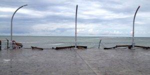 Tarihi iskeleyi fırtına vurdu
