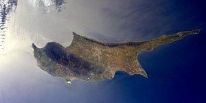 'Buzlar erirse Kıbrıs üçe bölünecek'