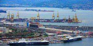 Trieste Limanı'nda 'İş cinayeti' grevi