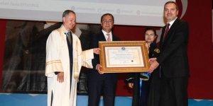 PRÜ'den Suat Hayri Aka'ya fahri doktora