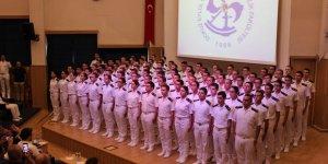 DEÜ Denizcilik Fakültesi'nde yemin töreni
