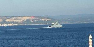 Rus gemisi Boğazdan refakatsiz geçti