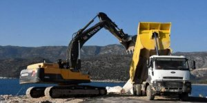 Çayağzı Yat Limanı'nda onarım başladı
