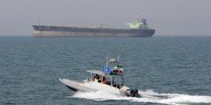 Kaçak yakıt taşıyan gemiye el konuldu
