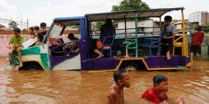 Endonezya yağışla boğuşuyor