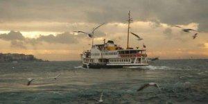 Fırtına, Gökçeada'da feribot seferlerini iptal ettirdi