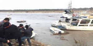 Antalya'da sel 5 tekneyi batırdı