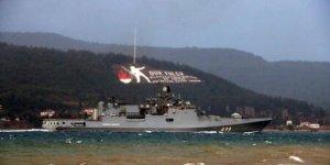 Rus Donanması Çanakkale Boğazı'ndan geçti