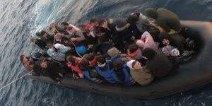 Lastik botla kaçmaya çalıştılar sahil güvenliğe takıldılar