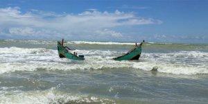 Bangladeş'te 14 mülteci denizde boğuldu
