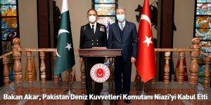 Bakan Akar, Pakistan Deniz Kuvvetleri Komutanı Niazi'yi Kabul Etti