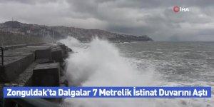 Zonguldak'ta Dalgalar 7 Metrelik İstinat Duvarını Aştı