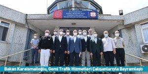 Bakan Karaismailoğlu, Gemi Trafik Hizmetleri Çalışanlarıyla Bayramlaştı