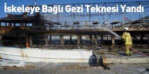 İskeleye Bağlı Gezi Teknesi Yandı