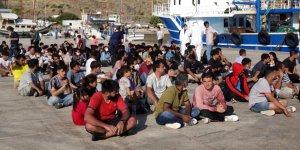 Çanakkale'de balıkçı teknesine göçmen operasyonu