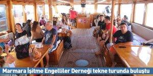 Marmara İşitme Engelliler Derneği tekne turunda buluştu
