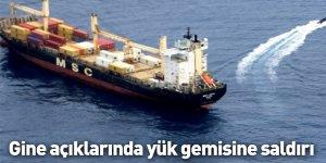Gine açıklarında yük gemisine saldırı