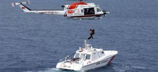 Denizin ortasında ölüme terkedilen 47 kaçağı Sahil Güvenlik ekipleri kurtardı