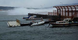 Marmara'daki fırtına balıkçıları vurdu