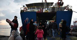 Denizde mahsur kalan yolcular Mersin'e ulaştı