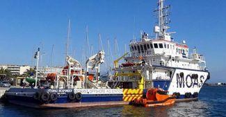 Göçmen kurtarma gemisi 'Topaz', Ege'ye demirledi