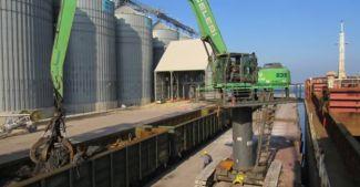 Bandırma Limanı demiryolu avantajını kullanıyor