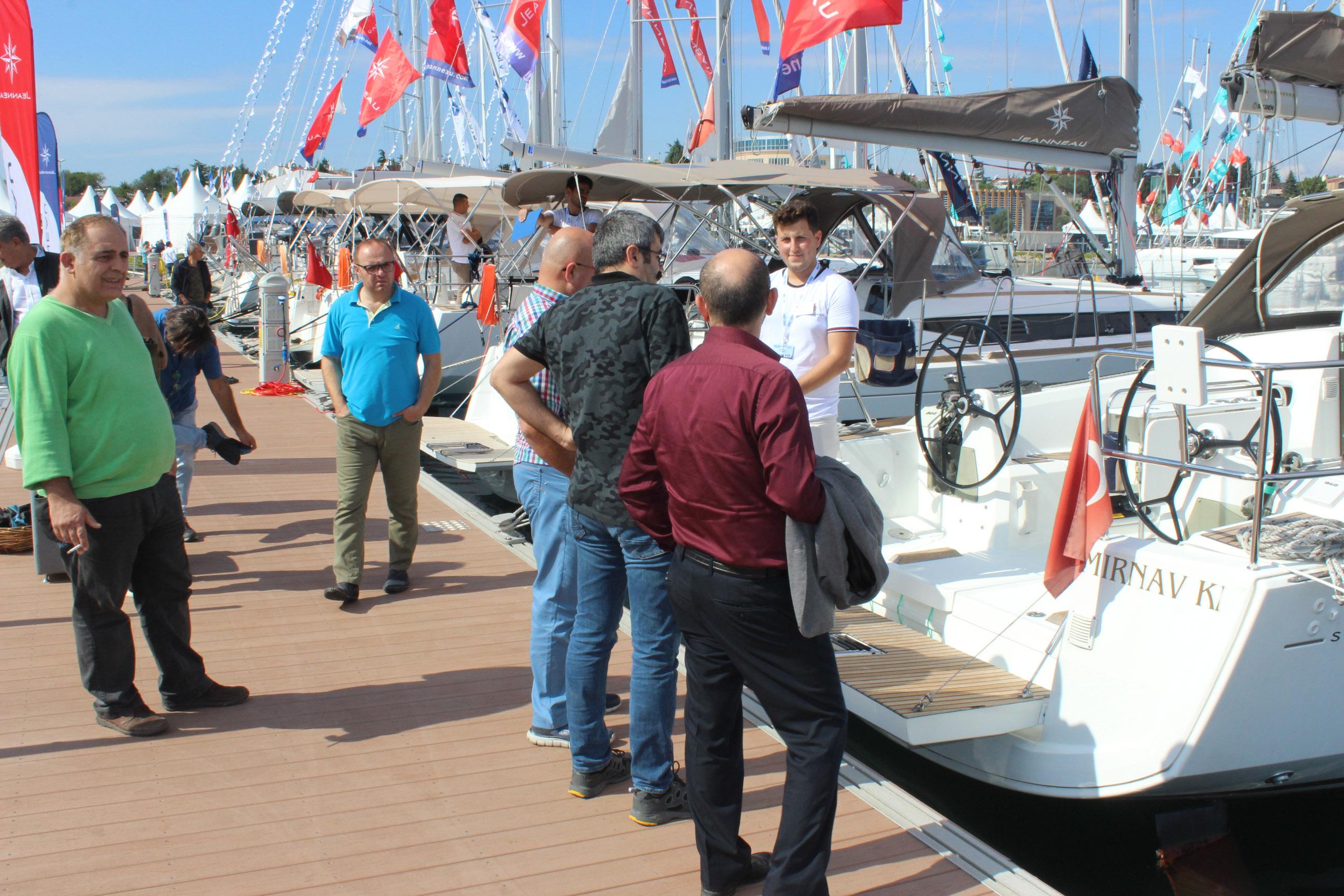 boat_show.jpg