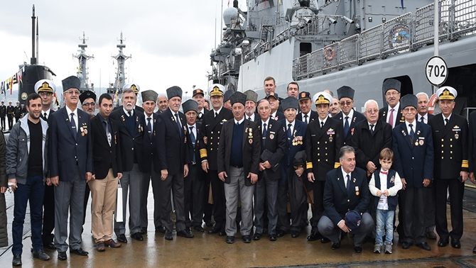 dzkk-gemileri-29-ekim-ziyaretine-acildi---03.jpg